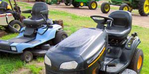 garden lawn tractor versus